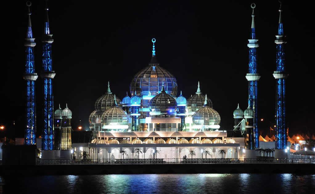 cyristal-mosque-in-kuala-terengganu-malaysia-night1
